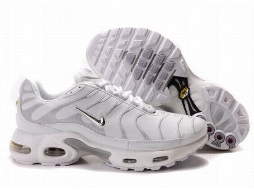 chaussure nike tn fille blanche